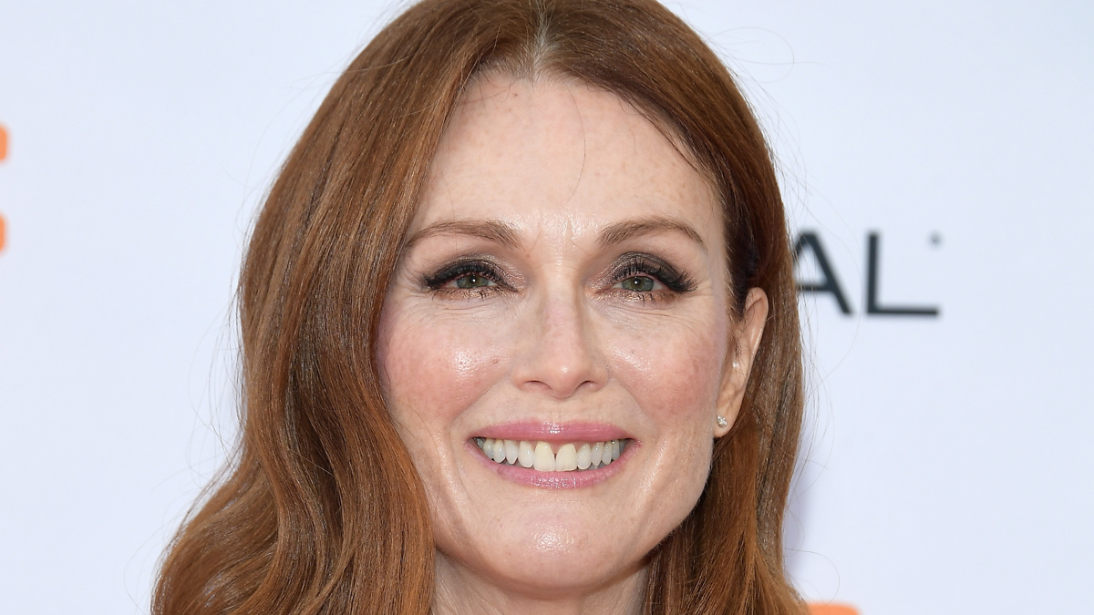 Julianne Moore - 9/17 - Matt Winkelmeyer/Getty Images